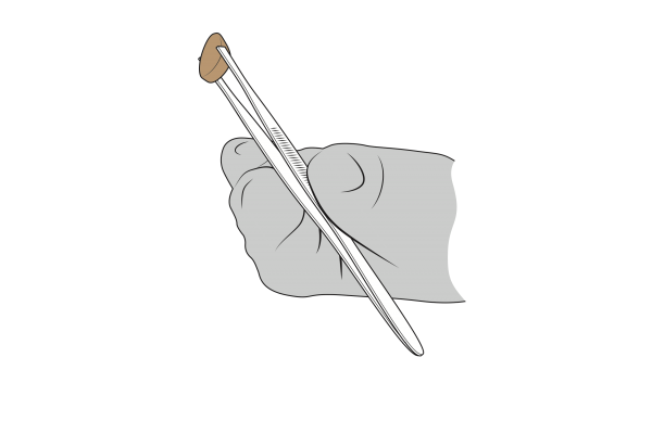 Black-and-white industrial design drawing of Cindy's hand (in grey) holding the tweezers, which grip a brown pill.